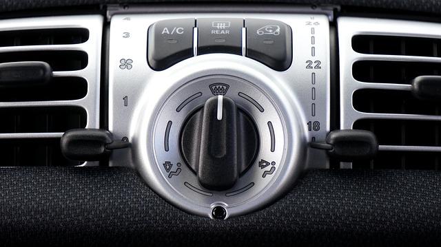 car-1458837_640